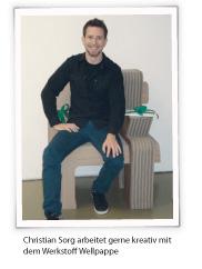 Christian Sorg arbeitet gerne kreativ mit dem WErkstoff Wellpappe